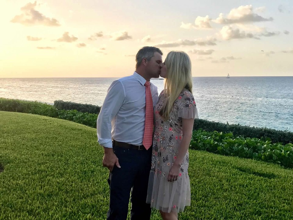Kissing in the Bahamas