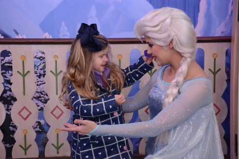 Meeting Elsa a second time!