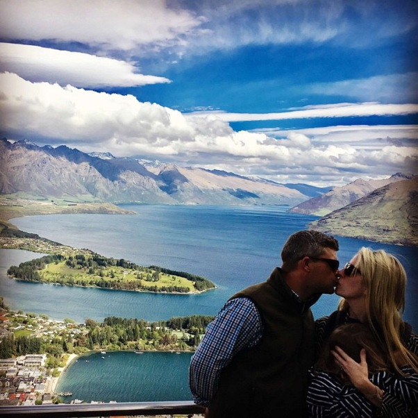 Kissing Queenstown, New Zealand