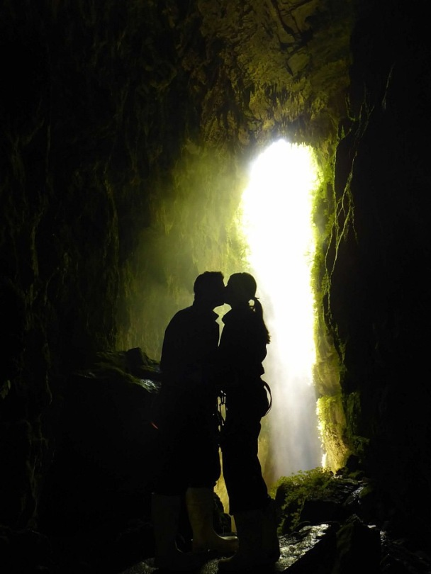 Kissing in New Zealand