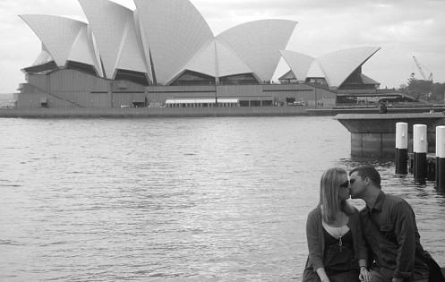 Kissing at Sydney Opera House